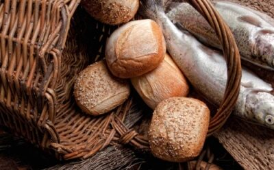 Il pane spezzato, abbonda